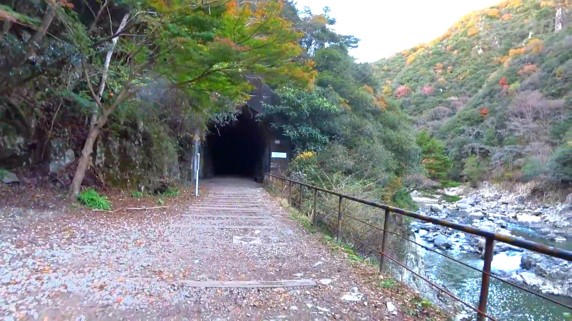 武田尾廃線敷の溝滝尾トンネル入口